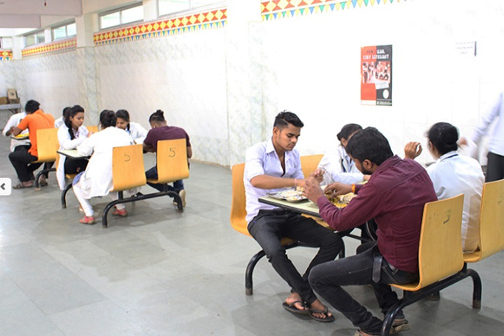 https://cache.careers360.mobi/media/colleges/social-media/media-gallery/1655/2019/7/15/Cafeteria of LNCT University Bhopal_Cafeteria.jpg